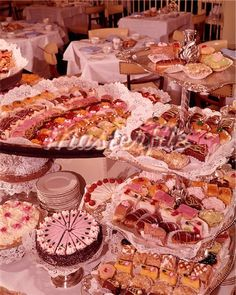 View Stock Photo of Dessert Buffet. Find premium, high-resolution photos at Getty Images. Retro Recipes, Vintage Recipes, Pretty Cakes, Cute Cakes, Cute Food, Yummy Food, Vintage Baking, Vintage Food, Cute Desserts