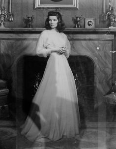 """Katharine Hepburn, studio proof from """"The Philadelphia Story"""". Katharine Hepburn, Katharine Ross, Hollywood Fashion, Hollywood Glamour, Classic Hollywood, Old Hollywood, 1940s Fashion, Divas, The Philadelphia Story"""