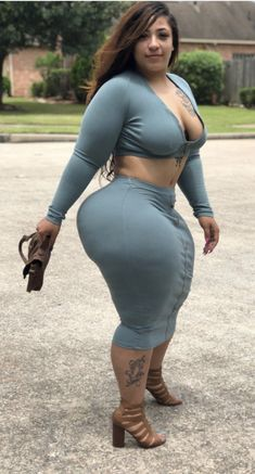 Thick Girls Outfits, Curvy Girl Outfits, Thick Girl Fashion, Curvy Women Fashion, Girl With Curves, Black Curves, Voluptuous Women, Beautiful Black Women, Sexy
