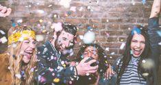 Top 9 Partyspiele: So wird die Feier zum Hit! | erdbeerlounge.de Festival Games, Silvester Party, Snacks Für Party, Yummy Food, Delicious Recipes, Wedding, Eve, Buffet, Decoration