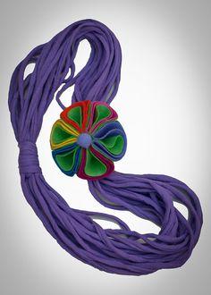 Collar Trapillo Violeta por LaboratoryOnMoon