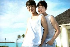 awwwe sen (suho and chen)