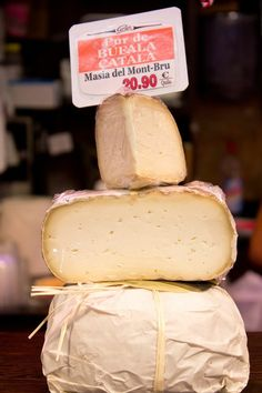 Made in the Masia del Montbrú, located in the central Catalan county of Bagès, this cheese made from buffalo's milk is semi-sweet and uncharacteristically soft for a Catalan cheese.