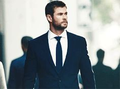 Chris Hemsworth GIFs — Chris Hemsworth for Hugo Boss Chris Hemsworth Thor, Chris Hemsworth Movies, Hot Actors, Actors & Actresses, Snowwhite And The Huntsman, Avengers, Best Avenger, Hemsworth Brothers, Marvel Actors