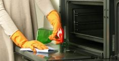 Hate cleaning your oven? We have a simple solution. Cleaning Companies, House Cleaning Services, Diy Cleaning Products, Cleaning Hacks, Limpieza Natural, Professional House Cleaning, Oven Cleaner, Home Hacks, Four