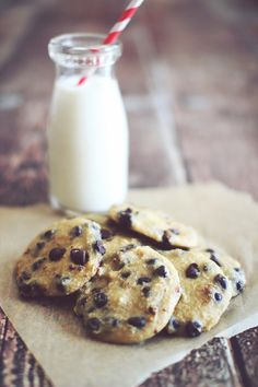 Soft Baked Chocolate Chip Cookies  {Clean Eating, Flour Free, Sugar Free, Gluten Free}