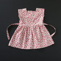 VINTAGE ENGLISH 60'S DRESS WITH TINY PINK FLOWERS -new old stock- www.KLEINFORMAAT.com