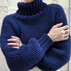 Mar 2020 - Ravelry: Olann Cropped Turtleneck pattern by Heather Showstead Jumper Knitting Pattern, Jumper Patterns, Knitting Patterns Free, Knit Patterns, Stitch Patterns, Vogue Knitting, Baby Knitting, Free Knitting, Knit Fashion