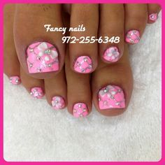 pretty pink bling toe nails