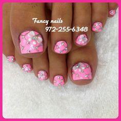pretty pink bling toe nails