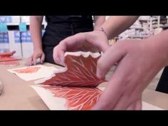 How To: Block Printing Basics featuring Julia Dilworth Sharilyn Kuehnel - on Strathmore Stamping Cards Stamp Carving, Fabric Stamping, Art Techniques, Art Lessons, Printing On Fabric, Techno, Printmaking Ideas, Craft Flowers, Art Students