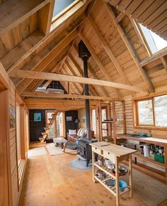 38 Affordable DIY Tiny House Remodel Ideas to Copy Right Now ~ kliksaya. Tiny Cabins, Tiny House Cabin, Cabins And Cottages, Tiny House Living, Tiny House Plans, Tiny House Design, Cabin Homes, Log Homes, Cabin With Loft