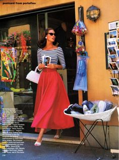 Christy Turlington from 20 years ago in Vogue. But the look is timeless and reminds me to wear my striped cashmere sweater with a sweep skirt. Looks Style, Style Me, Classic Style, Classic Beauty, Modern Classic, Classic Looks, Look Retro, Retro Style, 1950s Style