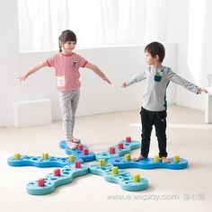 Enhance your child's hand-eye #coordination and #balancing skills with Weplay Coral Adventure inspired by chinese oriental martial arts. Coral Adventure combines #grossmotor activities (walking on a balance beam) and #finemotor activities (pulling or inserting Coral Column into the Weplay Coral Adventure Path) all in a single package. #specialneeds #activekids
