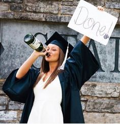 Gorgeous Graduation Picture ideas for Photography Graduation is conducted Friday in an official ceremony, attended by loved ones and friends. Graduation is an important life event for those students and their families. College graduation is a significa Nursing Graduation Pictures, Graduation Images, Graduation Picture Poses, College Graduation Pictures, Graduation Portraits, Graduation Photoshoot, Graduation Photography, Graduation Ideas, Grad Pics