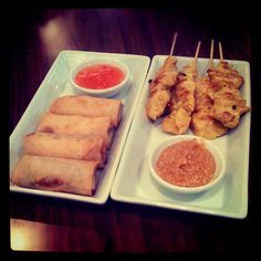 Day #43 - a spicy starter selection of crispy vegetable spring rolls and juicy chicken satay skewers @Kaosarn_Brixton w/ @RosamundUrwin