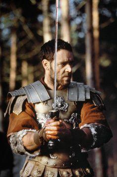 "Russell Crowe spielte in dem Film ""Gladiator"". Gladiator 2000, Gladiator Maximus, Gladiator Movie, Gladiator Quotes, Gladiator Armor, Movies Costumes, Russell Crowe Gladiator, Movie Stars, Movie Tv"