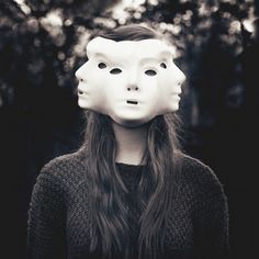 Astonishing Surreal Portraits by 18 Years Old Photographer Laura Williams