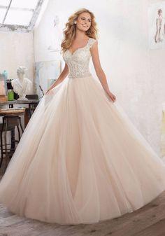 Para las amantes del rosado... ¿les gustaría un vestido de novia así?  #weddingideas  #bridal #weddinggown #bridetobe #weddings #bride #weddinginspiration #weddingideas #boho #bohochic #bohostyle #dress #Bodas #Wedding #MatrimoniosColombia #Matrimonios #Novia #Bride #Glamour #matrimoniocomco #colombia #vestidosrosa #vestidosrose #rosado #pink #pinkdress