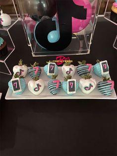 14 Birthday Party Ideas, Sleepover Birthday Parties, Diy Birthday Decorations, Tea Party Birthday, 14th Birthday, Barbie, Tik Tok, Cakes, Desserts
