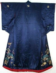 This uchikake is from Meiji period(1868-1912)