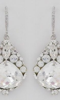 Used Earrings Jewelry: buy this dress for a fraction of the salon price on PreOwnedWeddingDresses.com