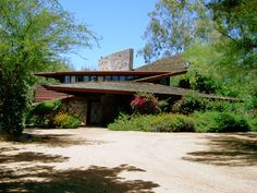 Based on the title above, I wonder if anyone can enlighten me about the meaning of open plan that most of the people always associate with Frank Lloyd wright? Residential Architecture, Amazing Architecture, Modern Architecture, Frank Lloyd Wright Buildings, Frank Lloyd Wright Homes, Prairie House, Usonian, Arch House, Mid Century House