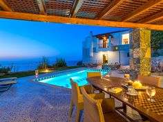 Villa Pitho is a modern, sea view 3-bedroom Villa with a private pool, the westernmost of the Ocean Luxury Villas. It is located 7 km from the village of Bali, between Rethymno and Heraklion. A lovely, remote sandy can be found about 1000 meters away.