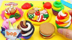 Peppa Pig chơi đồ chơi nấu ăn để tạo ra một bữa tiệc nhiều màu sắc