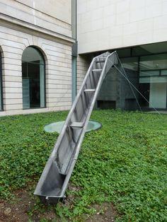 """Piece from the """"Pavillon du centenaire de l'aluminium"""" at Jean Prouve 2012 in Nancy. Photo ©Galerie 47."""
