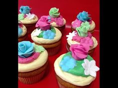 Cupcakes de Chocolate Blanco - YouTube