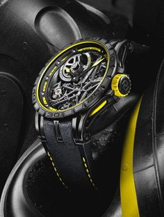 Roger Dubuis Excalibur Spider Pirelli - yellow - angle