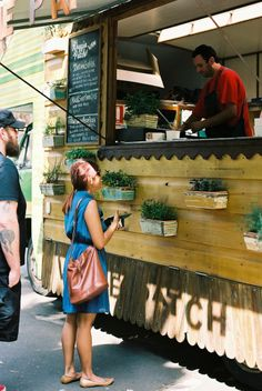 Veggie Patch Van, roving cafe photo by Elize Strydom or maybe i should just have a tiny food truck. Coffee Carts, Coffee Truck, Coffee Shop, Food Truck Festival, Streetfood Festival, Food Truck Business, Business Ideas, Mobile Cafe, Mobile Food Trucks