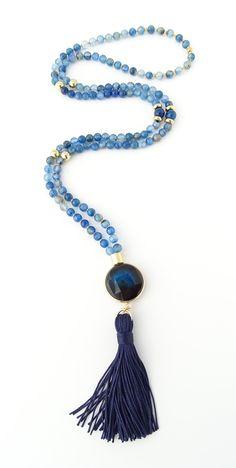 Tassel Jewelry, Bridal Jewelry, Beaded Jewelry, Jewelery, Jewelry Necklaces, Jewelry Crafts, Jewelry Art, Jewelry Design, Diy Necklace