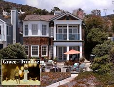 """A rare look inside the real beach house from the hit Netflix show """"Grace and Frankie,"""" which was built in 2003 on Broad Beach Road in Malibu. Spanish Tile Roof, Sims, Spanish Colonial Homes, Real Wood Floors, Real Kitchen, Beach Road, Buying A New Home, New Homeowner, Entry Hall"""