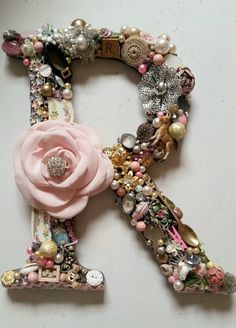 """Love this idea! Reminds me of the """"Can You See What I See?"""" book series. Buy a wooden initial of your choice and hot glue all sorts of tiny treasures to it! Buttons, beads, miniatures, Scrabble tile, brooches, pins, silver salt spoon, etc. ♥♥♥"""
