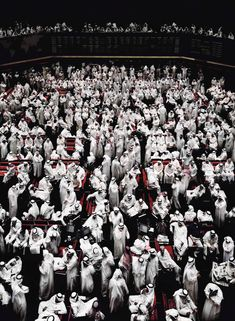 Kuwait, Stock Exchange, 2000 C-Print 280 x 200 x cm Copyright: Andreas Gursky / VG Bild-Kunst, Bonn Courtesy: Monika Spruth Philomene Magers, Koln Munchen London Andreas Gursky, Urban Photography, Color Photography, Photography Magazine, Photoshop, Karl Hofer, Horst Janssen, Hans Thoma, Paula Modersohn Becker