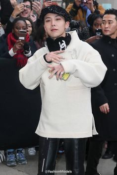 Updated!: G-Dragon @ Chanel's Paris Fashion Show (170124) [PHOTO/VIDEO] - bigbangupdates