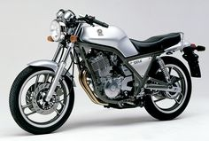 yamaha-srx-600-149212.jpg (1051×710)