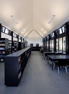 Gallery of The International School of Hout Bay / Luis Mira Architects + StudioMAS + Sergio Aguilar - 20