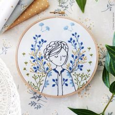 Modern Embroidery Kit : Dreamy Lady by Tamar Nahir - Snuggly Monkey Learn Embroidery, Hand Embroidery Stitches, Embroidery Fabric, Modern Embroidery, Embroidery Hoop Art, Hand Embroidery Designs, Vintage Embroidery, Embroidery Techniques, Machine Embroidery