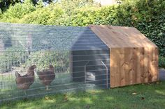 Daily Needs is a modular program for gardening and keeping small livestock. A project with social, ecological and economic relevance. Tools for growin… - All For Garden Chicken Cages, Chicken Coup, Chicken Garden, Backyard Chicken Coops, Chickens Backyard, Urban Chicken Coop, Chicken Coop Plans, Building A Chicken Coop, Diy Chicken Coop