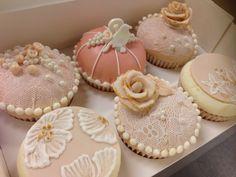Wedding cupcakes, kuppikakkuja häihin