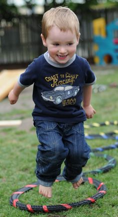 Why it's important for kids to go BAREFOOTIN'!