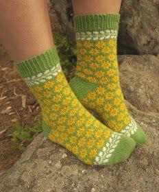 Ravelry: Sumuisena aamuna pattern by Tiina Kuu Kid Styles, Needles Sizes, Knitting Socks, Mittens, Ravelry, Wool, Pattern, Foggy Morning, Cottage