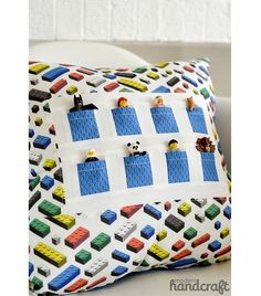 #LEGO DIY Tutorial: Pocket Pals Pillow that holds LEGO Minifigs.