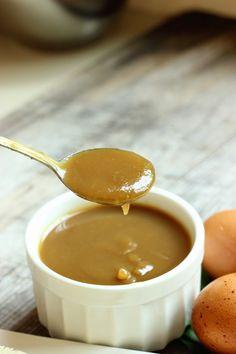 The Informal Chef: Smooth Hainanese Kaya (Caramel Coconut Jam) 焦糖椰香咖椰 Pandan Kaya Recipe, Kaya Jam Recipe, Flan, Dessert Sauces, Dessert Recipes, Jam Recipes, Cooking Recipes, Nyonya Food, Coconut Jam