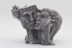 O fluxo de energia das esculturas de aço de Gil Bruvel