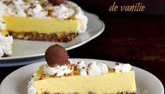 Prajitura cu crema bavareza de vanilie Romanian Desserts, Romanian Food, Sweet Recipes, Cake Recipes, Dessert Recipes, Cake Shop, Fall Desserts, Food Plating, Cake Cookies