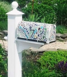 Stunning Sea Glass Mosaic DIY Ideas-- What an idea for any mailbox!